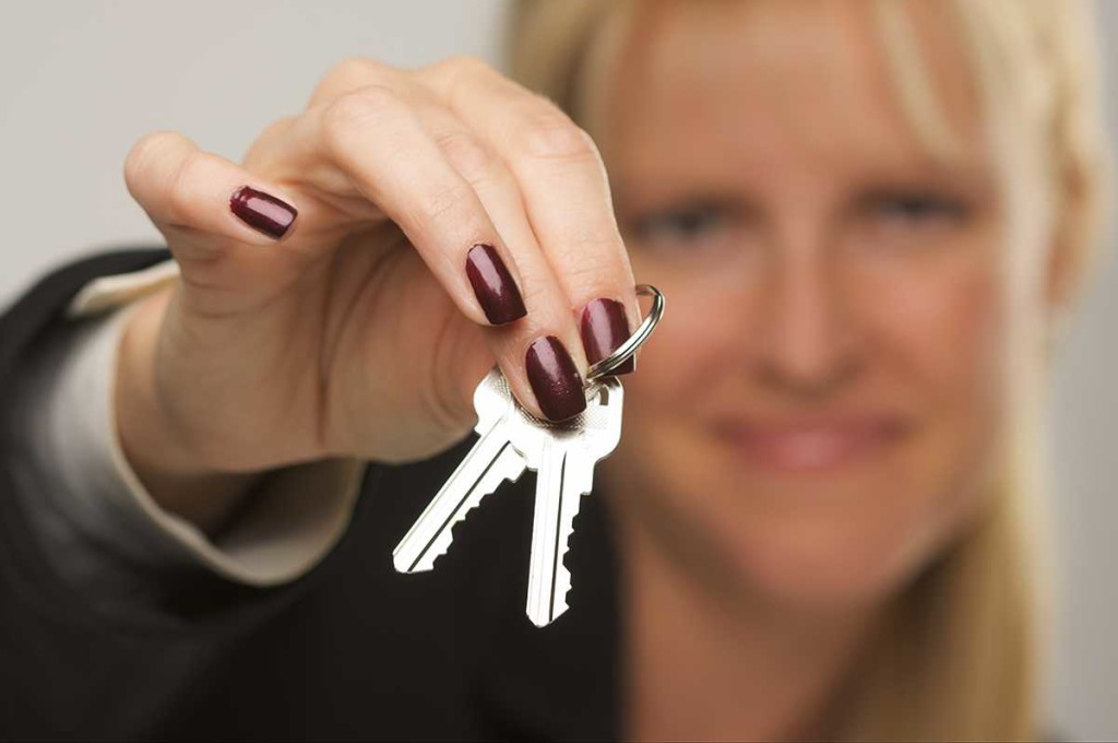 house-keys-female