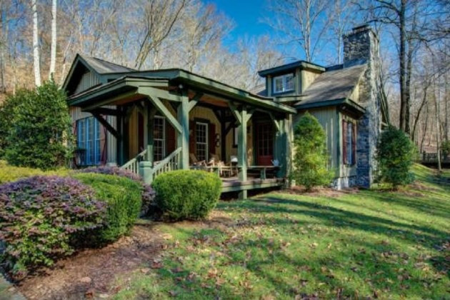 Miranda Lambert Buys Gorgeous 400-Acre Tennessee Estate